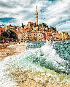 World Vacations by HapTag® ( Dubrovnik, Rovinj Croatia, Ex Yougoslavie, Croatia Travel, Photo Credit, Paris Skyline, Places To Visit, Organiser, Vacation