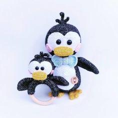 rammelaar pinguin Crochet Ring Patterns, Crochet Doll Pattern, Crochet Patterns Amigurumi, Crochet Dolls, Baby Patterns, Doll Patterns, Crochet Baby Toys, Crochet Gifts, Diy Crochet