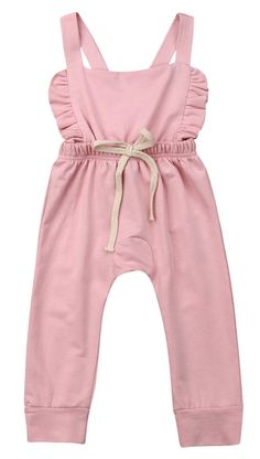 Beautiful flutter jumpsuit for your little fashionista Irresistibly soft and adorable! 2 white buttons at the back This perfect outfit will keep your baby girl stylish and become her new favorite! Baby Girl Jumpsuit, Baby Boy Dress, Baby Girl Pants, Baby Jeans, Girls Boutique Dresses, Overalls Outfit, Jumpsuits For Girls, Baby Girl Fashion, Ladies Fashion