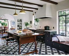 Alhambra Kitchen. I am a huge fan of Portlands finest,  Jessica Helgerson Interior Design but admire just as much her trust photographer, Lincoln Barbour.
