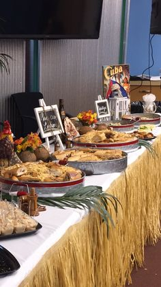 The amusing Cuban Theme … Cuban Party Theme, Havana Nights Party Theme, Luau Party, Luau Theme, Havanna Nights Party, Havanna Party, Deco Buffet, Deco Table, Food Buffet