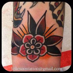 tattoo designs flower new trad Time Tattoos, Leg Tattoos, Flower Tattoos, Arm Tattoo, Tribal Tattoos, Sleeve Tattoos, Cool Tattoos, Geometric Tattoos, Tattoo Flash