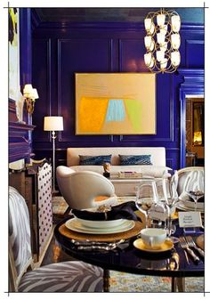 Floor to ceiling cobalt blue wall color! Drama. From Traditional Home, Eric Cohler & Jennifer Mason. #interiors