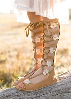 Joyfolie - Seraphina Lace-up Gladiator Sandals in Sable Rose