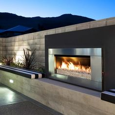"Awesome ""outdoor fire pit"" information is offered on our internet site. Have a l… Awesome ""outdoor fire pit"" information is offered on our internet site. Modern Outdoor Fireplace, Outdoor Walls, Outdoor Living, Outdoor Fireplaces, Gas Fireplaces, Outdoor Kitchen Design, Patio Design, House Design, Outside Fireplace"
