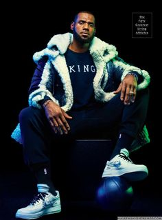Male Fashion Trends: LeBron James se convierte en un Dios del Olimpo para GQ USA