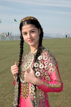 One of the Turkmenistan traditional clothes, Turkmen folk costumes are varied.This difference is due to ethnic and cultural differences as well as differences in climate. Traditional Fashion, Traditional Dresses, Folk Costume, Costumes, Beautiful World, Beautiful People, Ethno Style, Beauty Around The World, Ethnic Dress