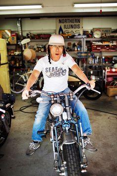 Japan Fashion, Blue Fashion, Hiit Bike, Dirt Bike Room, Bike Sketch, Diy Haircut, Honda Cub, Motorcycle Types, Bicycle Girl