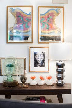 Console table + art + lamp + mas