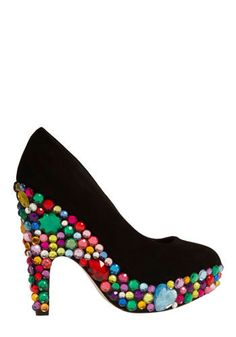 People call her crazy she's got diamonds on the soles of her shoes....