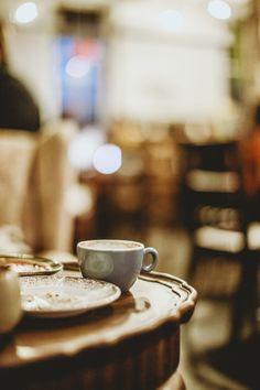 Lovecrumbs, cozy little coffee shop in Edinburgh