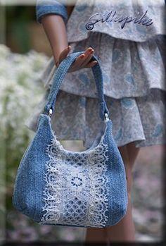 Denim Bag Patterns, Blue Jean Purses, Sewing Jeans, Denim Handbags, Denim Purse, Denim Crafts, Upcycled Crafts, Denim And Lace, Recycled Denim
