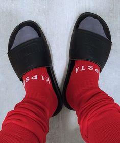 Nike Slides, Pool Slides, Slide Sandals, Socks, Sneakers, Ideas, Fashion, Slippers, Nike Slippers