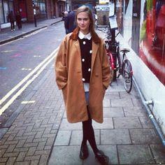 Zurzierde blog featured the #AmericanApparel Long Wool Coat in Camel.  #bloggers #Zurzierde #coats #wool