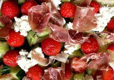 Salade met aardbei en parmaham