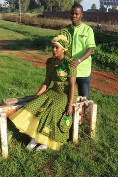 Green shweshwe dresses These designs are hot! and these women are serving this hotness right! I'm soft on the various approach to styling shweshwe. Shweshwe Dresses, African Print Fashion, African Attire, Traditional Dresses, Plus Size Outfits, Clothes, Vintage, Design, Style