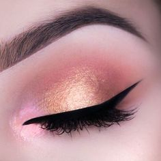 A subtle, yet striking look is created by @diamante_makeup (Instagram) using the Makeup Geek Duochrome Eyeshadow in I'm Peachless, the Makeup Geek Eyeshadow in Peach Smoothie, Creme Brulee, and Cocoa Bear and the Makeup Geek FOILED pigment in Firefly!