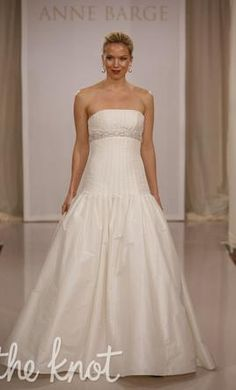 Anne Barge LF171 wedding dress currently for sale at 87�0off retail.
