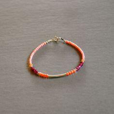 """Bracelet fantaisie fin pierres fines roses et perles argent 925 : Modèle """"Naïs"""" : Bracelet par kanakeis"""