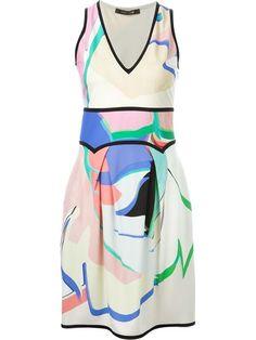 Comprar Roberto Cavalli vestido estampado con cuello en V en Verso from the world's best independent boutiques at farfetch.com. Descubre 400 boutiques en 1 sola dirección.