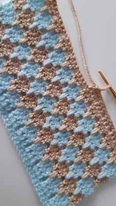 Crochet Stitches For Blankets, Crochet Motifs, Crochet Square Patterns, Crochet Stitches Patterns, Baby Knitting Patterns, Stitch Patterns, Knitting Ideas, Free Crochet Blanket Patterns, Baby Sweater Patterns