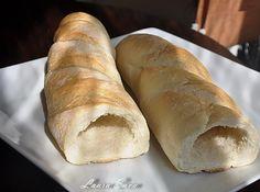 Bagheta umpluta cu cascaval si sunca | Retete culinare cu Laura Sava - Cele mai bune retete pentru intreaga familie Mai, Picnic, Bread, Food, Brot, Essen, Picnics, Baking, Meals