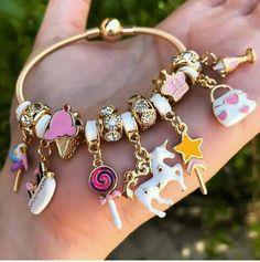 Enchanting Fashion Jewelry Ideas Ideas Jolting Tips: Wire Jewelry Flower jewellery design.Bridal Jewelry V Neck jewelry logo outfit. Jewelry Logo, Cute Jewelry, Jewelry Accessories, Jewelry Design, Bridal Jewelry, Jewelry Ideas, Gold Jewellery, Dainty Jewelry, Tiffany Jewellery