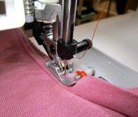 Jersey und Stretch mit der Nähmaschine verarbeiten   Blindstichfuss smillablog
