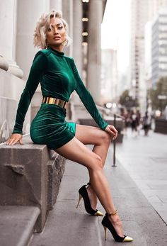 Micah Gianneli Style - Chic, Retro And Sexy Today's Fashion Trends, Fashion Blogger Style, Look Fashion, Fashion Models, High Fashion, Womens Fashion, Sexy Outfits, Sexy Dresses, Cute Outfits