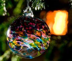 Christmas Bauble in Hydrangea