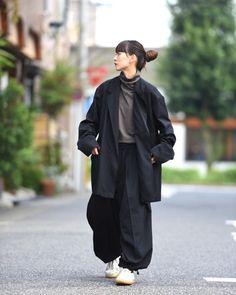 Pin by ArtandMagictoWear on Minimalistic Wardrobe Fashion Moda, Look Fashion, Daily Fashion, Fashion Outfits, Asian Street Style, Japanese Street Fashion, Harajuku Fashion, Japan Fashion, Mode Kawaii