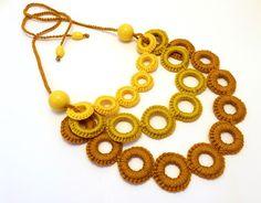 horgolt nyaklánc sárga, arany és mustár színben / crochet necklace in yellow, gold and mustard colors