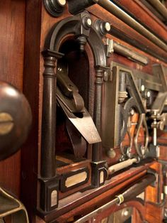 On the Importance of the Studley Tool Chest – Lost Art Press Antique Woodworking Tools, Antique Tools, Old Tools, Vintage Tools, Woodworking Shop, Woodworking Plans, Woodworking Projects, Workbench Plans, Welding Projects