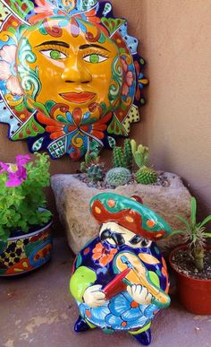The sun is gorgeous ! Mexican Patio, Mexican Garden, Mexican Folk Art, Mexican Style, Design Floral, Art Design, Rustic Outdoor Spaces, Floral Vintage, Mexican Ceramics