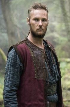 Jordan Patrick Smith plays Ubbe, the firstborn son of Ragnar and Aslaug on Vikings Season 04 Watch Vikings, Vikings Tv Series, Vikings Tv Show, Vikings Ubbe, Ragnar Lothbrok, Floki, Anglo Saxon Kingdoms, Sons Of Ragnar, Viking Armor