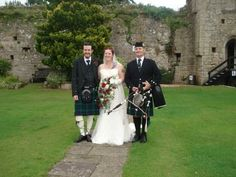 www.johncampbellbagpiper.webs.com   The Bagpiper in South Wales Angharad  Richard, Caldicot Castle