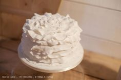 """Perfect if you had a dress with some sort of soft layers thing going on. It would be pretty sweet to have several smaller cakes / different flavors at a """"cake bar"""". Can we please have a cake bar? Frosting, Icing, Soft Layers, Cake Bars, Small Cake, Sweet, Desserts, Recipes, Food"""
