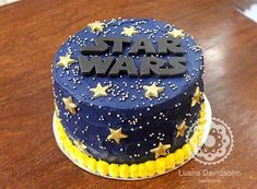 39+ Ideias de Bolo Star Wars > Sensacionais #BoloStarWars #Bolo #StarWars #FestaStarWars Bolo Star Wars, Star Wars Cake, Star Wars Party, Star Wars Birthday, 7th Birthday, Birthday Parties, Birthday Cake, Cupcake Cakes, Cupcakes