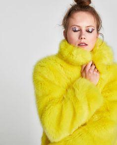 Imagem 6 de SOBRETUDO PELO SINTÉTICO COR da Zara Zara, Ootd, Interesting Faces, Shaggy, Favorite Color, Faux Fur, High Fashion, Fur Coat, Style Inspiration