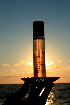 AGE-DEFYING RADIANCE OIL