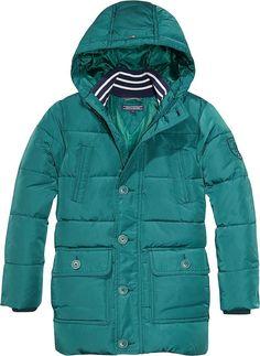 Klassische Back to School Jacke von Tommy Hilfiger, mit abnehmbarer Kapuze, Ärmelbündchen und zwei seitlichen Eingrifftaschen. Gut geeignet für herbstliche Tage.100% Polyester...