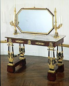 Arts décoratifs First Empire - made by François-Honoré-Georges Jacob-Desmalter : Dressing table of Empress Marie-Louise, second wife of Napoleon, at Compiègne Estate.