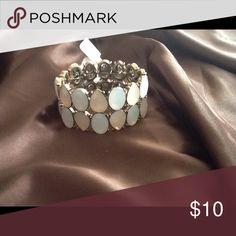 Very pretty feminine bracelet 🎀🎀 Pale blue, peachy pink and gold bracelet 💕 Jewelry Bracelets