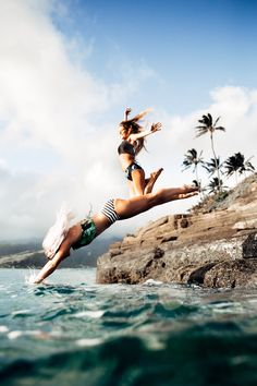 Diving into the New Year like ;) Our swimsuits are comfortable, flattering, cute and totally fun! {pictured: Laguna Switchback + Stripies Hipster Bottoms / Cove Switchback + Laguna Hipster Bottoms} | @albionfit & albionfit.com