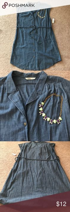 Chambray dress Old navy chambray dress size XXL from old navy. Collared and comes with a braided belt. Buttons all the way down. Knee length. Old Navy Dresses