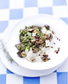 http://www.elle.fr/Elle-a-Table/Recettes-de-cuisine/Risotto-de-quinoa-creme-d-amande-mousserons-et-noisette-2871540