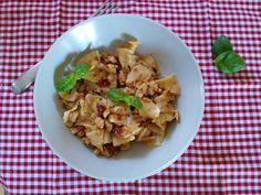 Czary w kuchni- prosto, smacznie, spektakularnie.: Domowy makaron ala pierogowy z dodatkami... Potato Salad, Potatoes, Pasta, Homemade, Ethnic Recipes, Food, Meal, Home Made, Potato