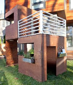 Play Modern - Super Sweet Modern Playhouse - I'd even take a full-size version of this house! Outside Playhouse, Build A Playhouse, Playhouse Outdoor, Cubby Houses, Dog Houses, Play Houses, Modern Playhouse, Childrens Playhouse, Modern Kids Toys