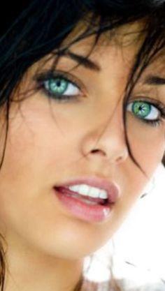 Aislinn in Modern day Ireland. Most Beautiful Eyes, Stunning Eyes, Gorgeous Eyes, Pretty Eyes, Cool Eyes, Beautiful Women, Girl Face, Woman Face, Portrait Photos
