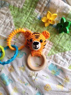 Tiger Teething Ring: free crochet pattern